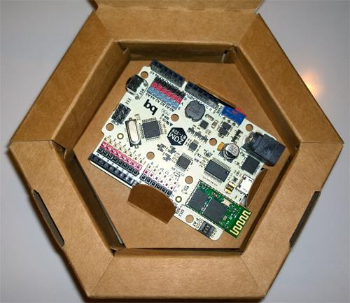 BQ ZUM BT-328 interior caja