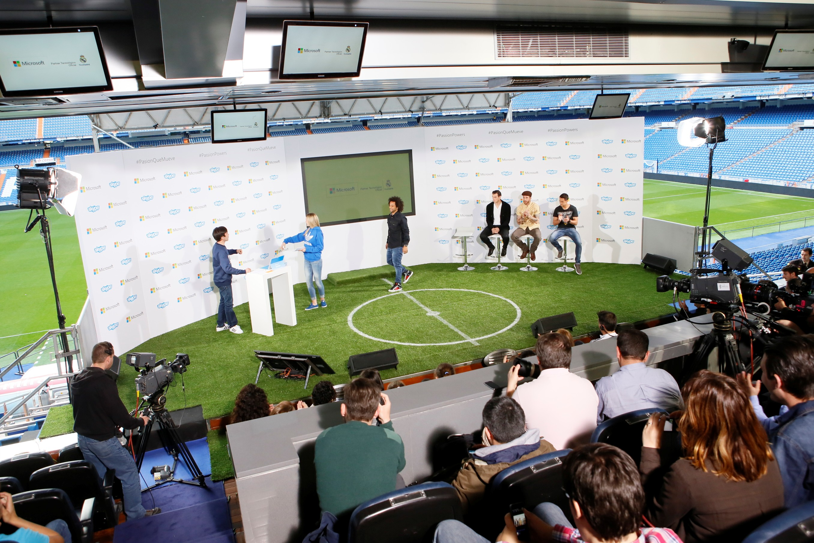 Microsoft - Real Madrid - Álbum de la Afición 01