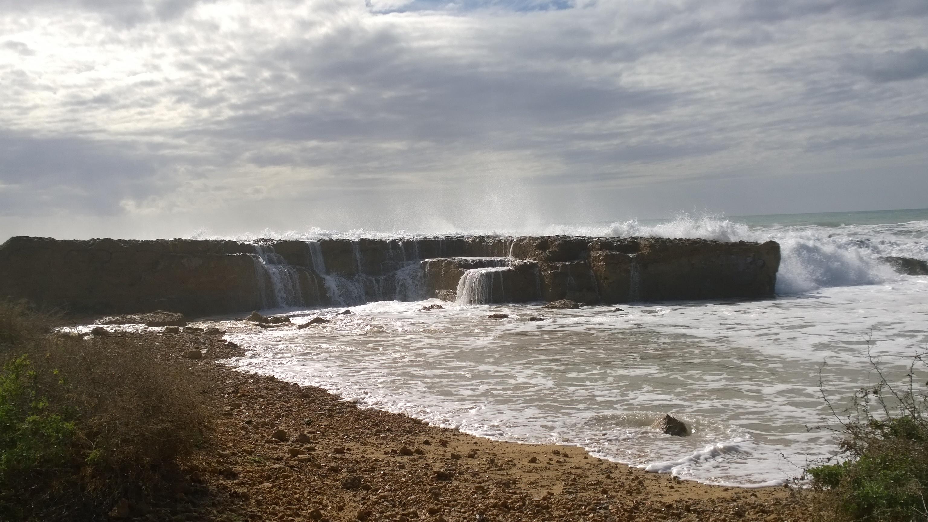 Fuertes olas en Palma de Mallorca