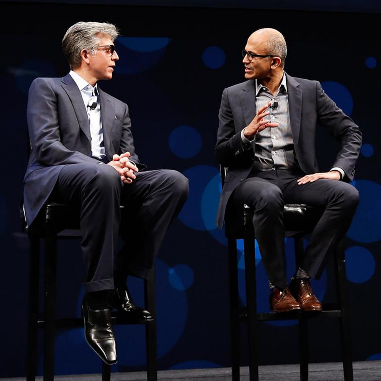 SAP CEO Bill McDermott (izquierda) y Satya Nadella, CEO de Microsoft (derecha)