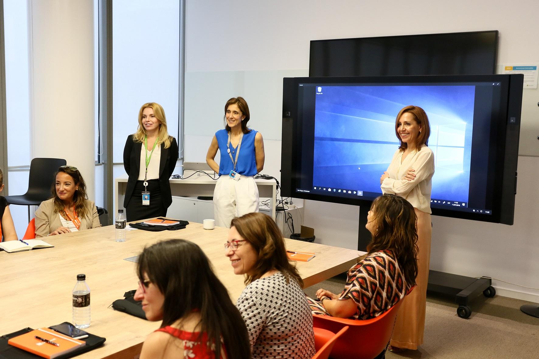 Women in Cibersecurity of Spain (2). Karen Gaines, Pilar López y Ana Alonso - Microsoft
