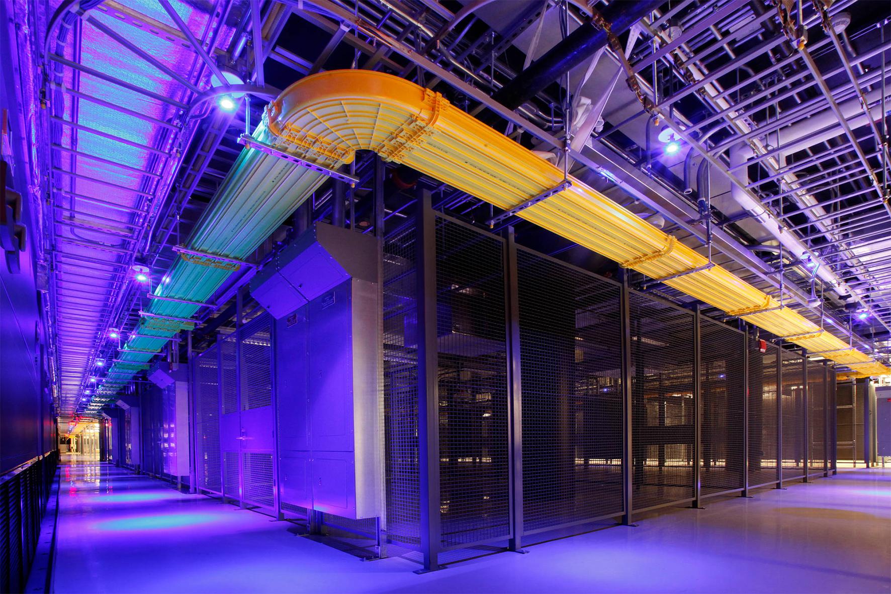 Equinix Data Center (4)